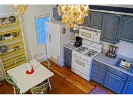 Juniper Cottage - Three-Bedroom, Savannah