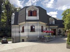 Motel na vrchu, Pezinok
