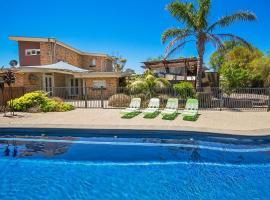 Paw Up Luxury Villa in Rye, Рай