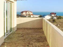 Villa Nine Street, Topola