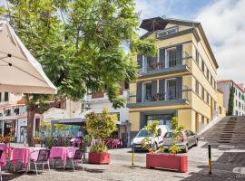 Zona Velha Apartments by Travel to Madeira, Фуншал