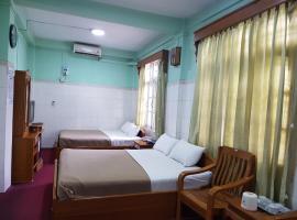 Sanpya Hotel - Burmese Only, Pyin Oo Lwin