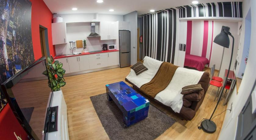 Ocho Home Apartamentos | Reserve online | Bed and Breakfast Europa