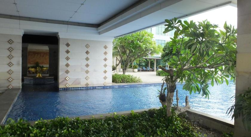 Swimming pool Riverview