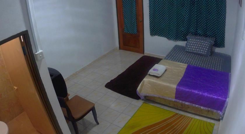 Family Room with Bathroom Sri Padang Guest House