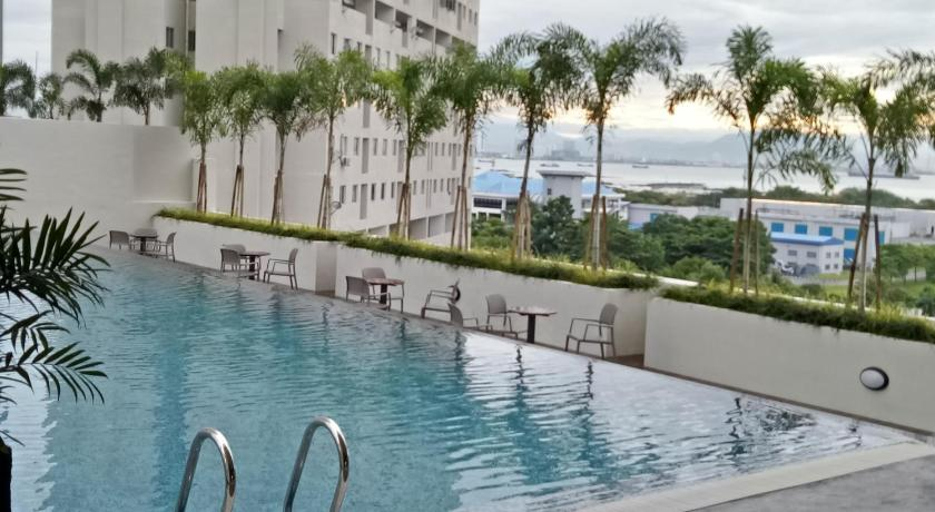 Swimming pool Georgetown Sea View Suite-II