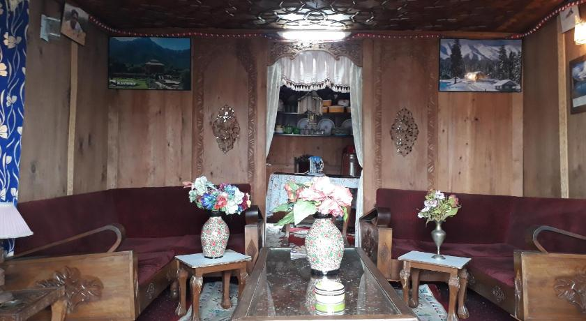 Lobby Jaffar Palace Group of House Boat