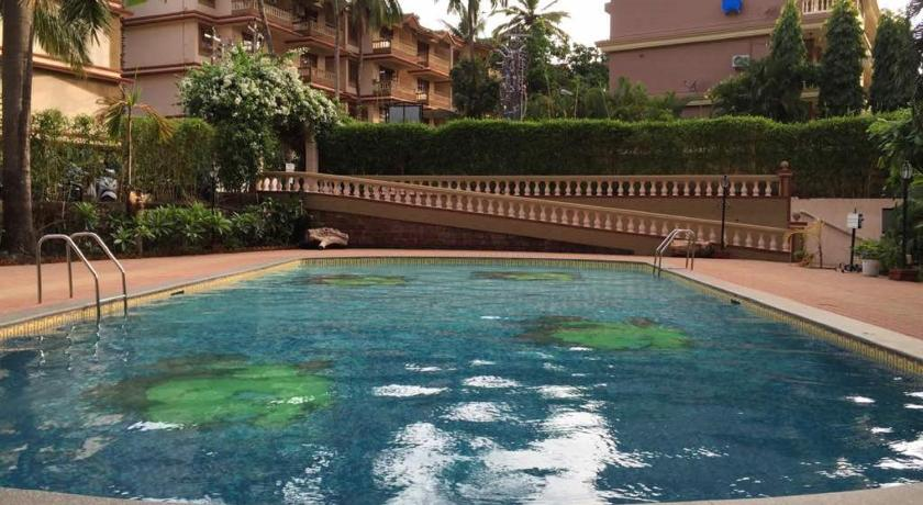 Ourgoaholidays 2Bhk first floor near the beach