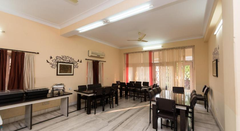 OYO Rooms Karunamoyee CK Block(KOL394)