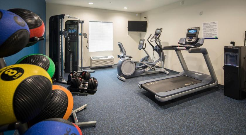 Fitness center Uptown Suites Concord