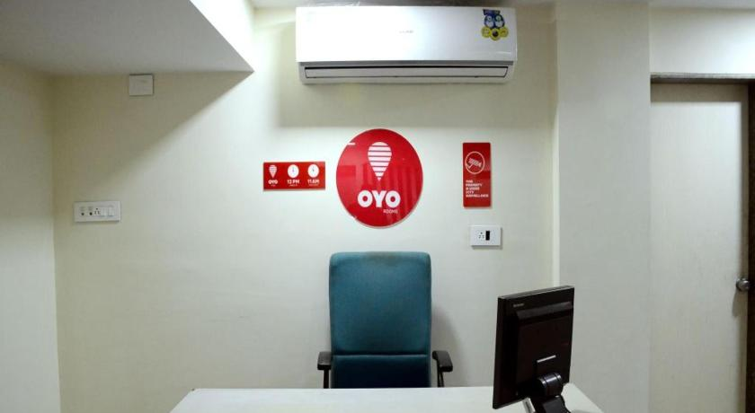 Lobby OYO Rooms Karve Road Erandawna