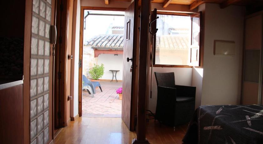 Hotel Alvaro De Torres-10571477