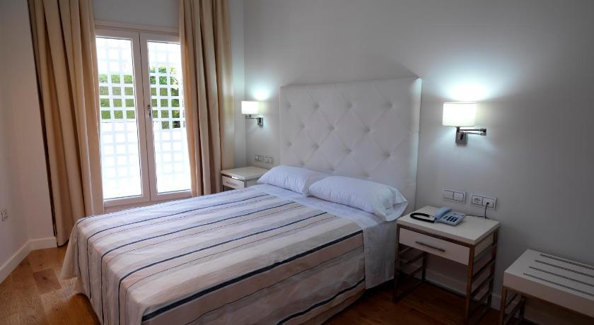 hoteles con encanto en cádiz  181