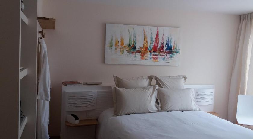 Maison de la garenne prenota online bed breakfast europa for Maison de la garenne vannes
