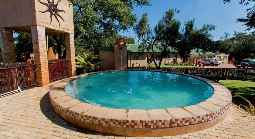 Swimmingpool Imbasa Self Catering Units