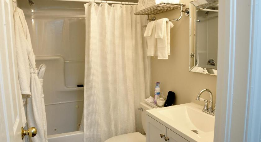 Standard King Room - Bathroom Casa Blanca Boutique Bed & Breakfast