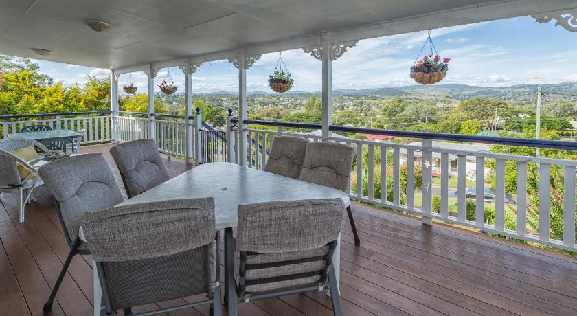 Holiday Home - Balcony/terrace Boonah Hilltop Cottage
