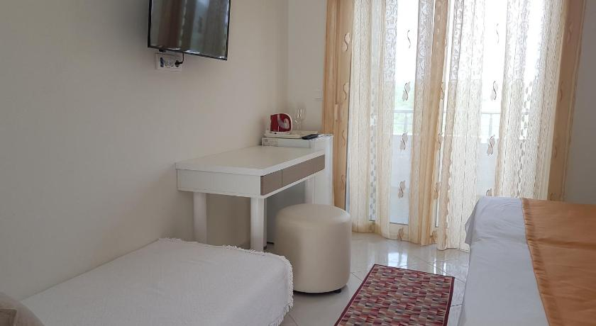 Studio Apartment with Sea View - Guestroom Belvedere Apartments