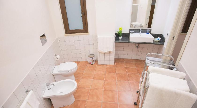 Superior Triple Room - Bathroom B&B Il Giardino di Sicilia