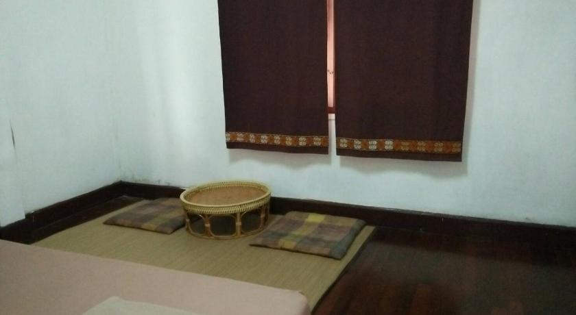 Standard Double Room with Shared Bathroom Baba Pim Guesthouse