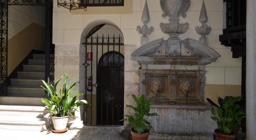 Palacio de Mariana Pineda 27