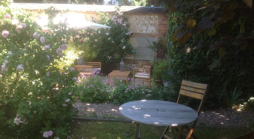 Au fond du jardin maison d 39 h tes book online bed for Au fond du jardin saint saens