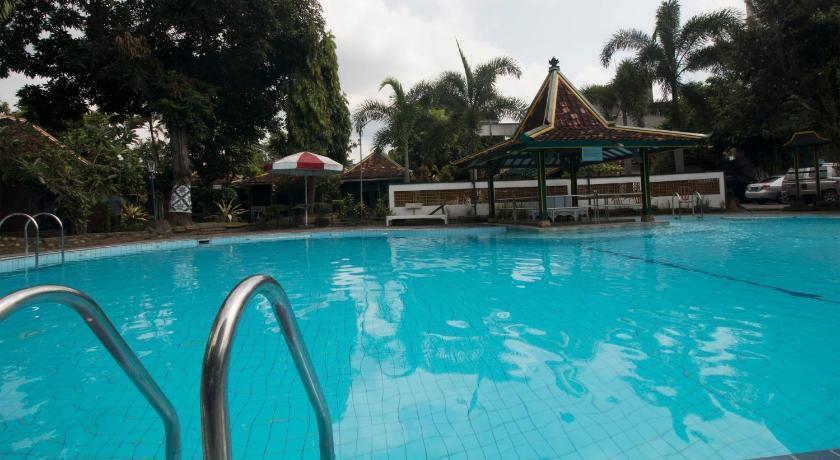 Hotel Batik Yogyakarta Jl Dagen Komplek Taman Yuwono Yogyakarta