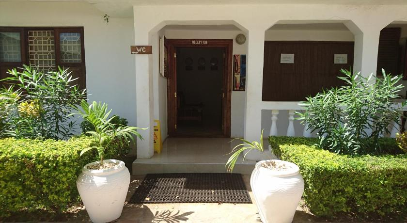 Chukwani Executive Inn
