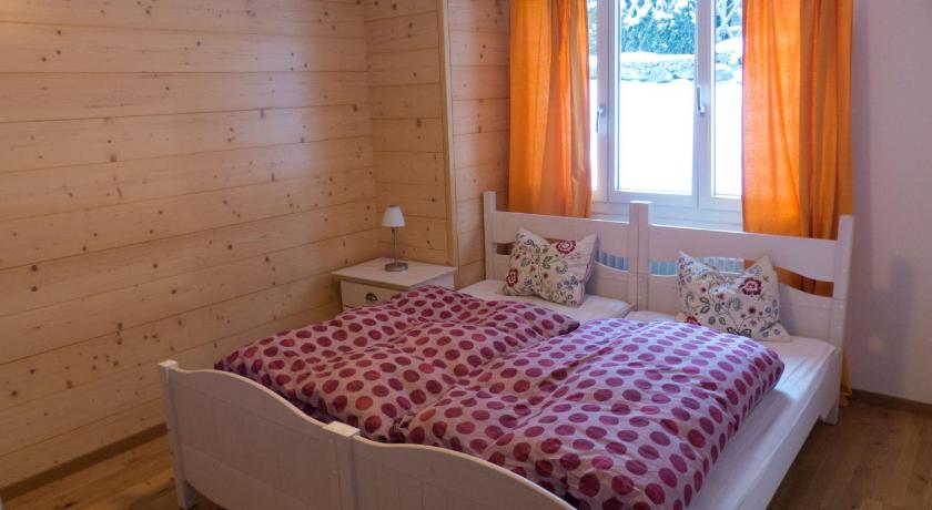 Three-Bedroom Holiday Home Chalet Chalet Ahornen