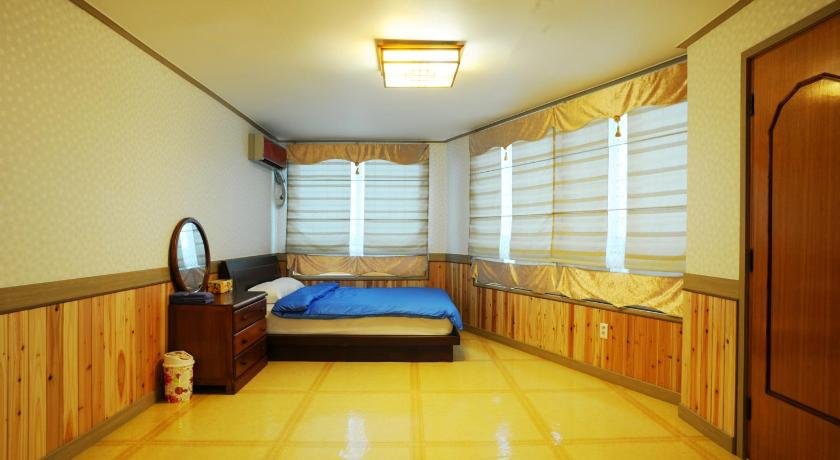 Two-Bedroom House Sea And See