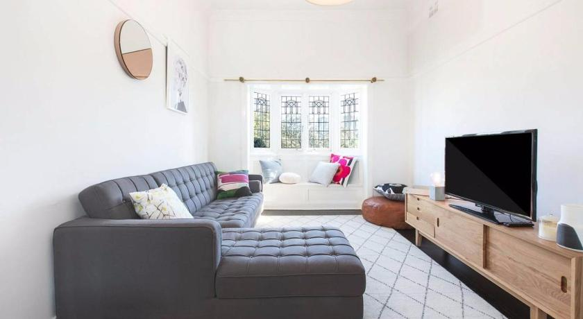 More About Character 1 Bed Home   Ideal North Sydney Location