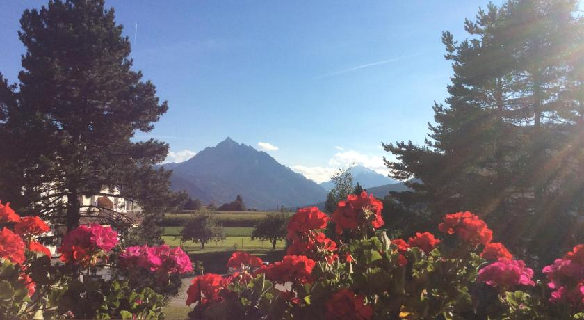 Comfort Double Room with Balcony and Parking - Изглед Haus Angelika - bed & breakfast - Innsbruck/Igls