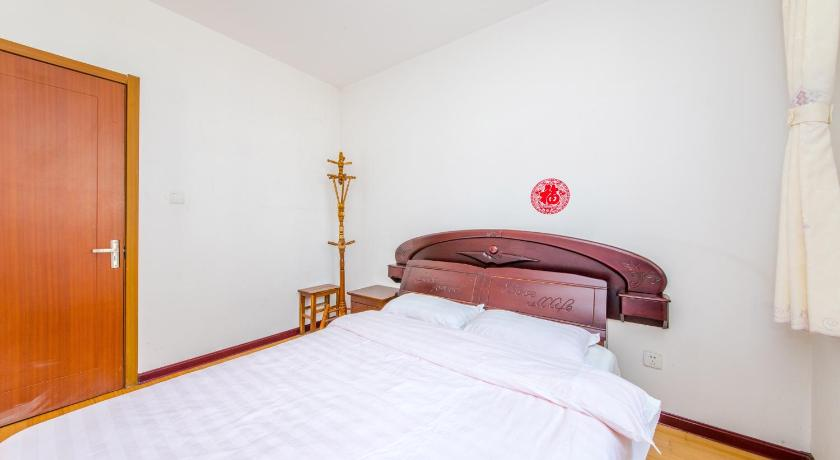 Double Room with Balcony and Sea View Jinshatan Seaview Guest House