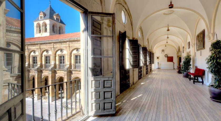 Hotel Real Colegiata San Isidoro 25