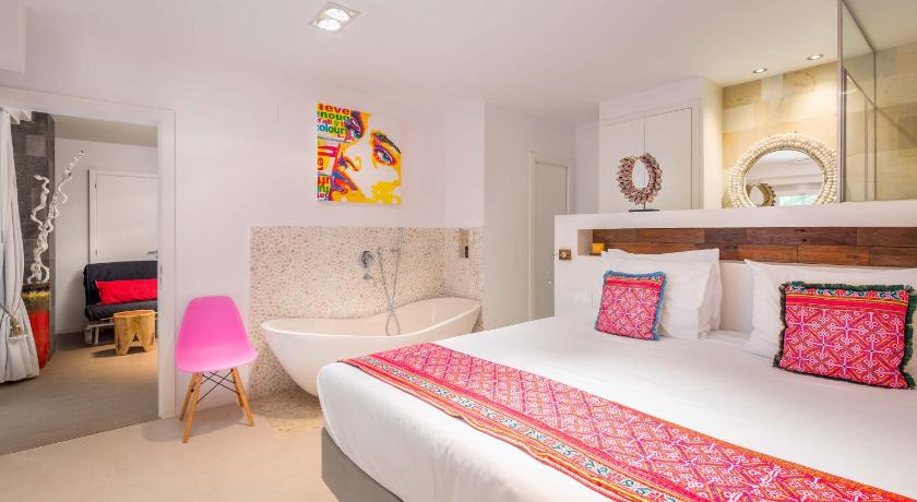 boutique hotels in santa eularia des riu  37