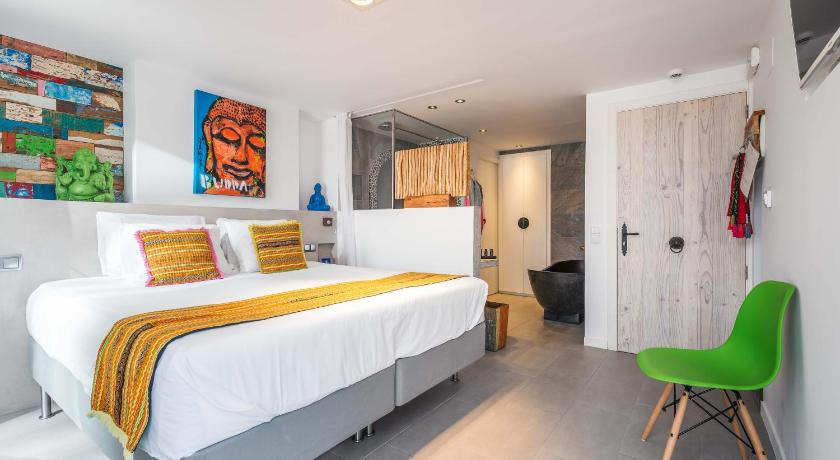 boutique hotels in santa eularia des riu  56