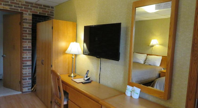 Double Room with Two Double Beds - Guestroom La Paysanne Motel & Hotel