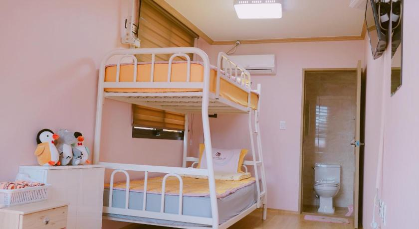 Budget Double Room Yeosuro Guesthouse