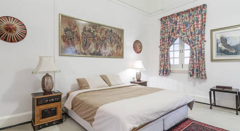 Large Colonial Setting Master Bedroom