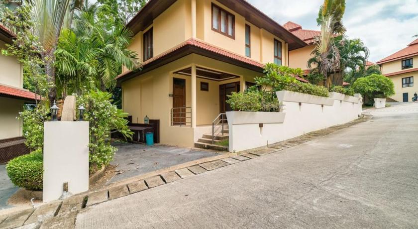 Tongson Bay Villa TG12