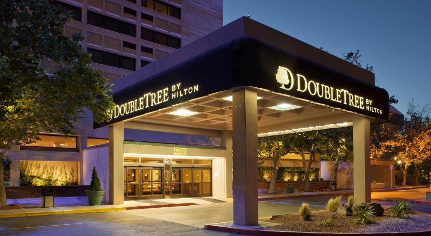 Best western airport albuquerque innsuites hotel suites - Hilton garden inn albuquerque journal center ...