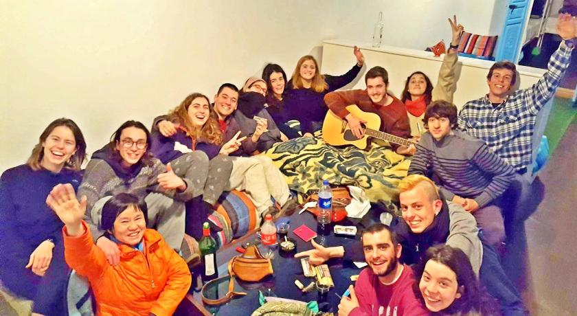 1 Llit en Dormitori Mixt de 10 Llits - Instal·lacions recreatives Backpackers Grapevine Hostel