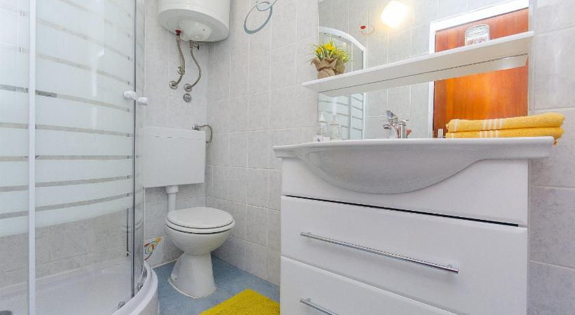 Two-Bedroom Holiday Home - Bathroom House Ivan