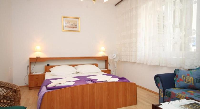 Apartment Veli Losinj 8032a