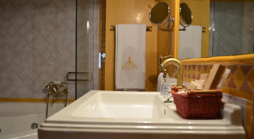 hoteles con encanto en granada  359
