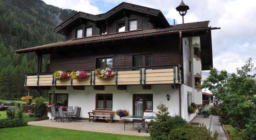 Ferienhaus Brigitte Gries 52 Längenfeld