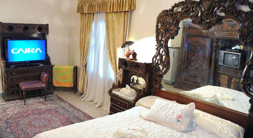 Deluxe Double Room with Balcony (Non Egyptians only) Meritamen Guest House