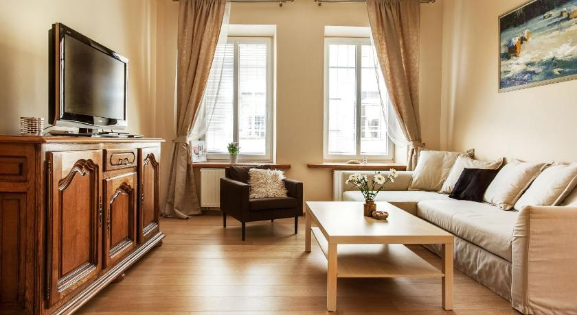 Luxurious and Stylish Old Town Apartment