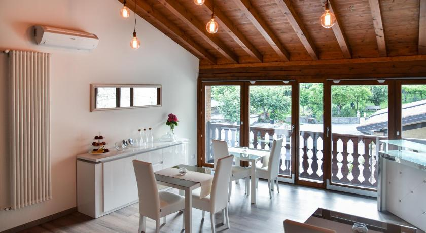 Best Price on La terrazza sulle vigne B&B in Corte Franca + Reviews