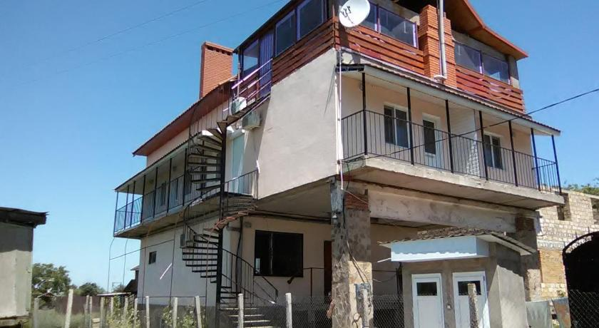 Guest House on Shkolynaya